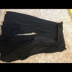 Pants - Black dressy flowey size small capri dress pants